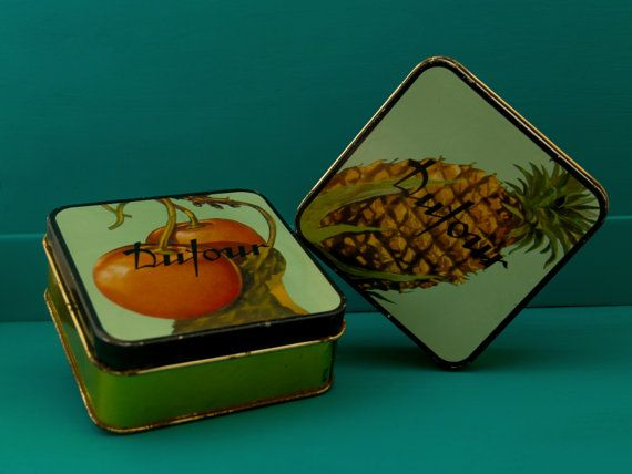 Vintage Tin Dufour Candy Box with Ananas and Cherries di Daedaleum