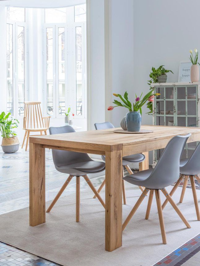 [Dining room in grey and wood]