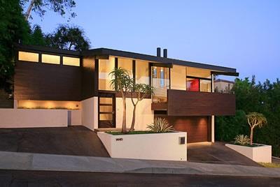 17 best images about split level remodel on pinterest for Modern split level house designs