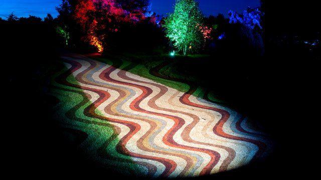 Lichtkunst Beleuchtet Park Der Garten In Bad Zwischenahn Lichtkunst Beleuchten Kunst