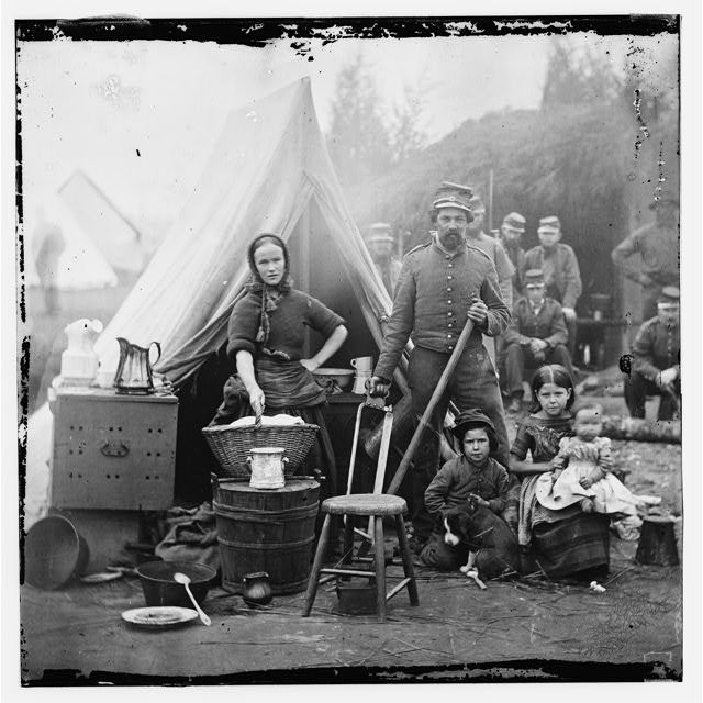Union soldier with family.History, Wars Photos, American Civil, Pennsylvania Infantry, Camps Life, Queens Farms, Tents Life, Families, The Civil Wars