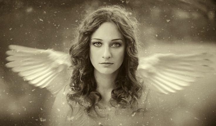 35PHOTO - Cristina Venedict - angel thoughts..