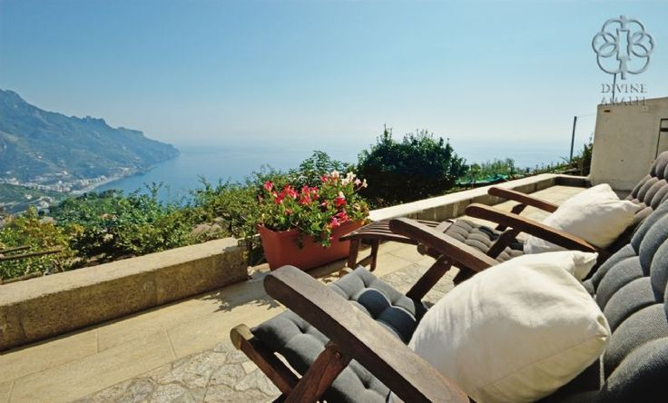 Ravello - Beautiful 4 bedrooms panoramic apartment in the center of the town www.divineamalfi.it