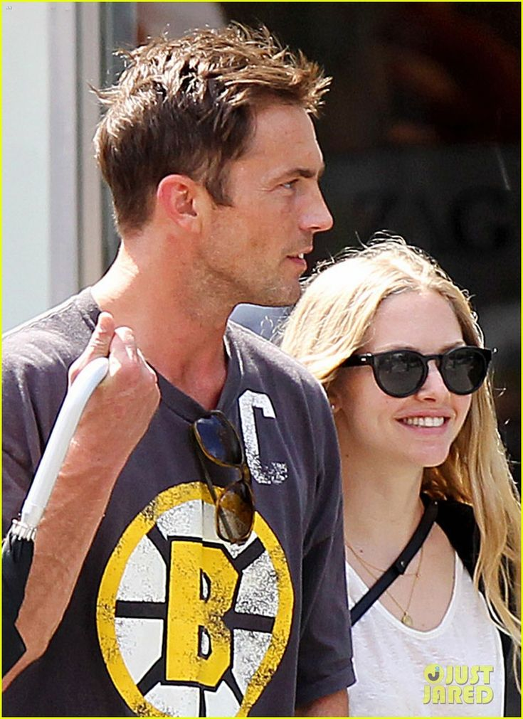 Amanda Seyfried & Desmond Harrington LOVE these two together!