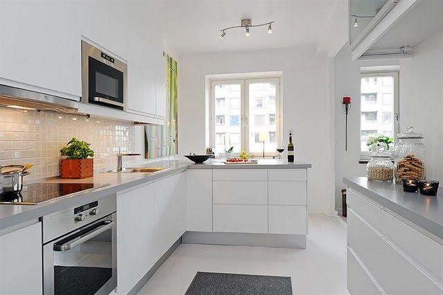 Cozinha branca com silestone cinza
