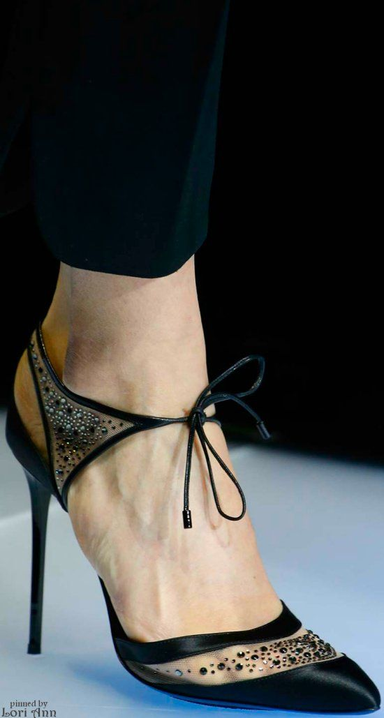 What a feminine shoe!  Giorgio Armani Fall 2015 RTW leave it to Armani to fashion such a lovely shoe