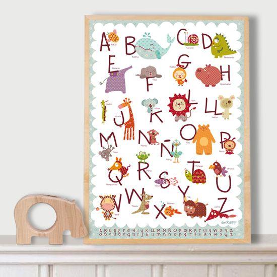 Este abecedarío lleno de animalitos felices hace que tu peque se divierta aprendiendo y queda precioso colgado en su habitación!