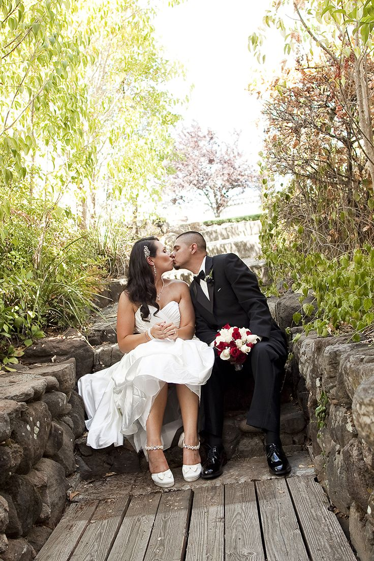 beautiful wedding locations in southern california%0A Summer wedding located at the Powers Mansion Inn located in Auburn   California  Bride and