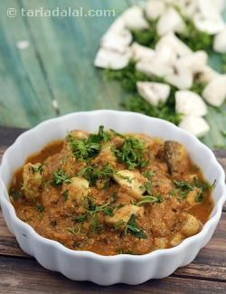 Yearning for a desi-style mushroom preparation? here you go! mushroom curry is a completely indian preparation of mushrooms in a tangy, garam masala flavoured curd base.