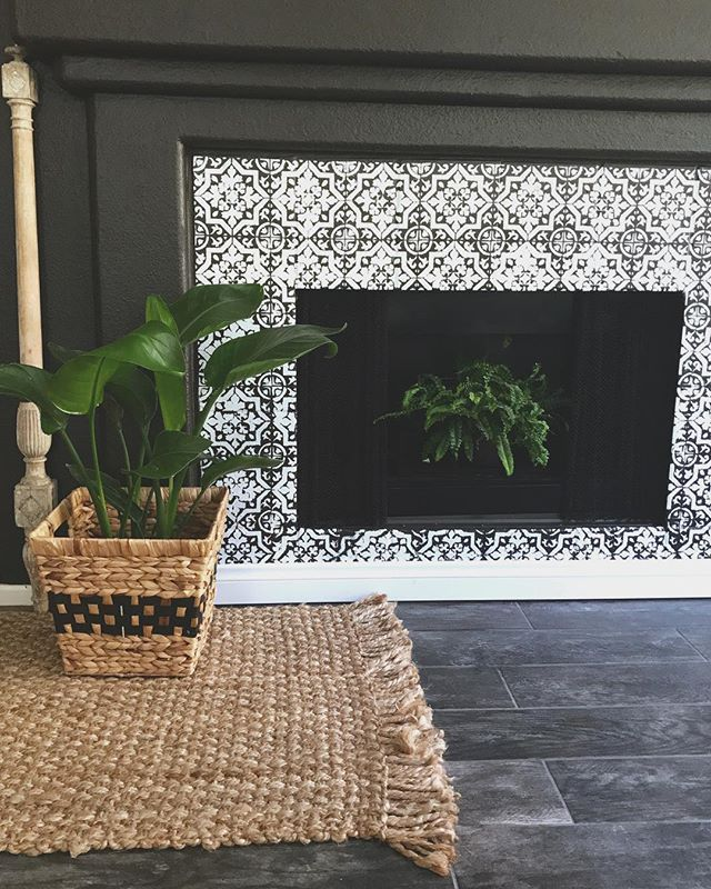 perk up an old fireplace stenciled fireplace surround black and rh pinterest com