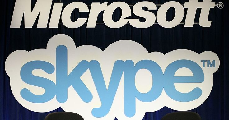 Cómo eliminar participantes del chat de Skype. Skype es un programa gratuito de Internet de chat de voz, video y texto. Puedes agregar hasta 100 de tus contactos de Skype a un grupo de chat de texto como administrador del chat. El administrador puede proteger con contraseña el chat, establecer un tema para una conversación y permitir que nuevos usuarios se unan a la conversación. Si un usuario ...