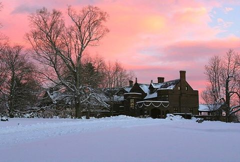 Snow expected tonight! Our guests can expect this winter wonderland sunrise tomorrow. #relaischateaux #happyholidays #hotelsfortheholidays #winter