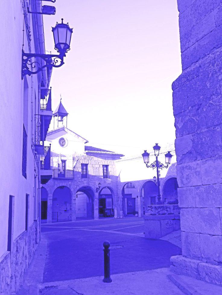 Plaza Mayor desde callejuela que en ella desemboca
