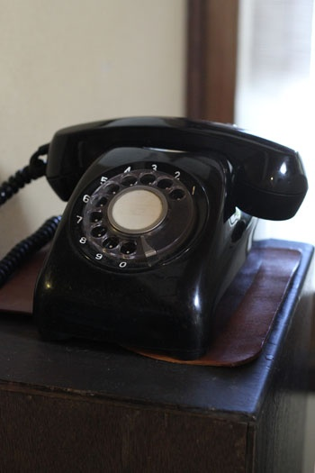 "old black telephone, gallery cafe ""hito to ki"" kyoto kizugawa"