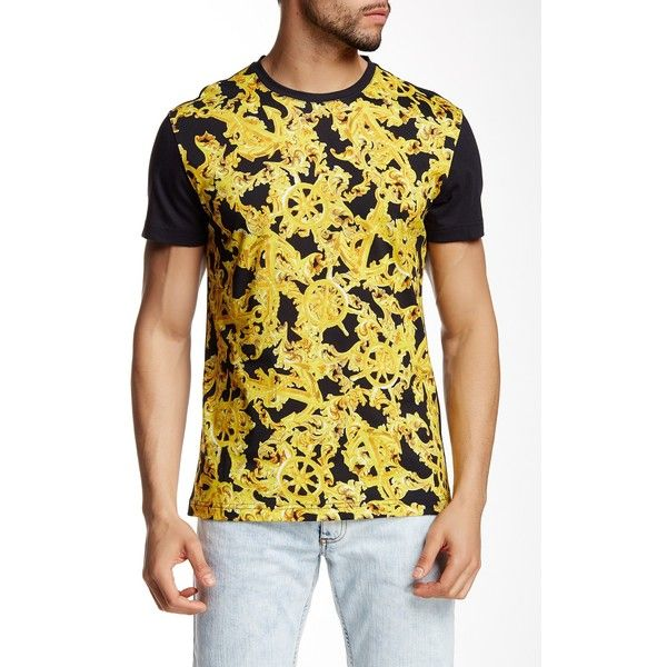 Versace Jeans Crew Neck Graphic Tee ($90) ❤ liked on Polyvore featuring men's fashion, men's clothing, men's shirts, men's t-shirts, nero, versace mens shirts, mens graphic t shirts, mens cotton short sleeve shirts, mens short sleeve t shirts and mens print shirts