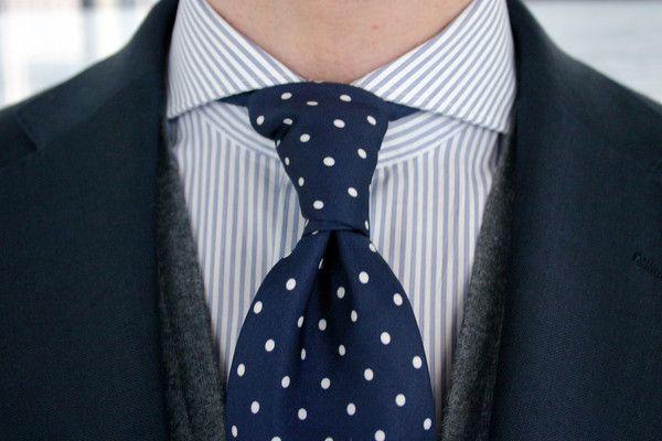 Pruhovaná košile & kravata s puntíkovým vzorem - Alfons.cz