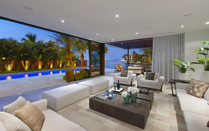 Modern Miami Beach House with Tropical Beauty in Florida