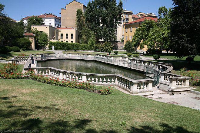 Fish pond, Giardino della Guastalla