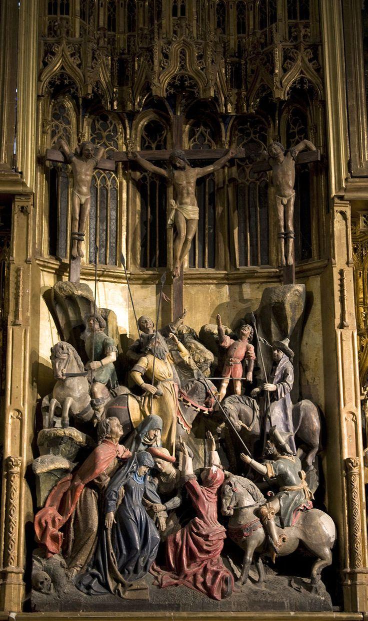 Retable de la Passion- la Crucifixion : à la droite du Christ, les justes et les élus; à sa gauche, les réprouvés - Église Saint-Martin d'Ambierle.-