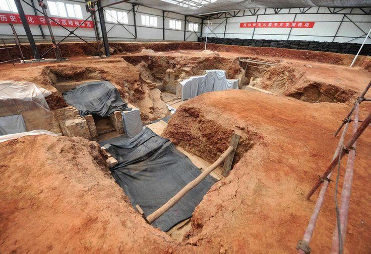 http://4.bp.blogspot.com/-PyrrFc-5txY/UccERhaDUQI/AAAAAAAAv1U/9rEc9yX8eH0/s1600/China_Tang_Dynasty_tombs_02.jpg