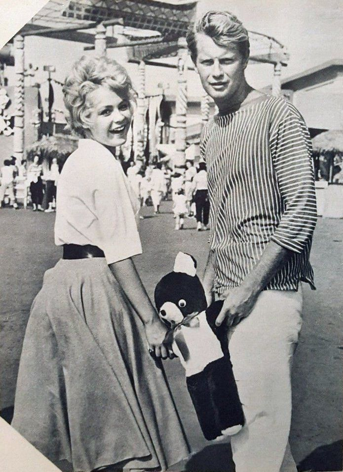 Sandra Dee and Troy Donahue, c. 1959.