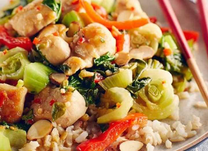 Un délicieux sauté de poulet et légumes cuit en moins de 15 minutes. | Le Poulet du Québec