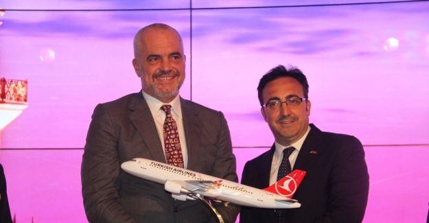 THY'den Arnavutluk'a havayolu desteği