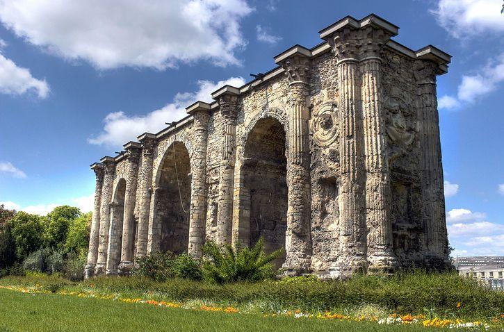Porte Mars / Monuments / Patrimoine / Découvrir / Office de Tourisme de l'Agglomération de Reims - Office de Tourisme de Reims