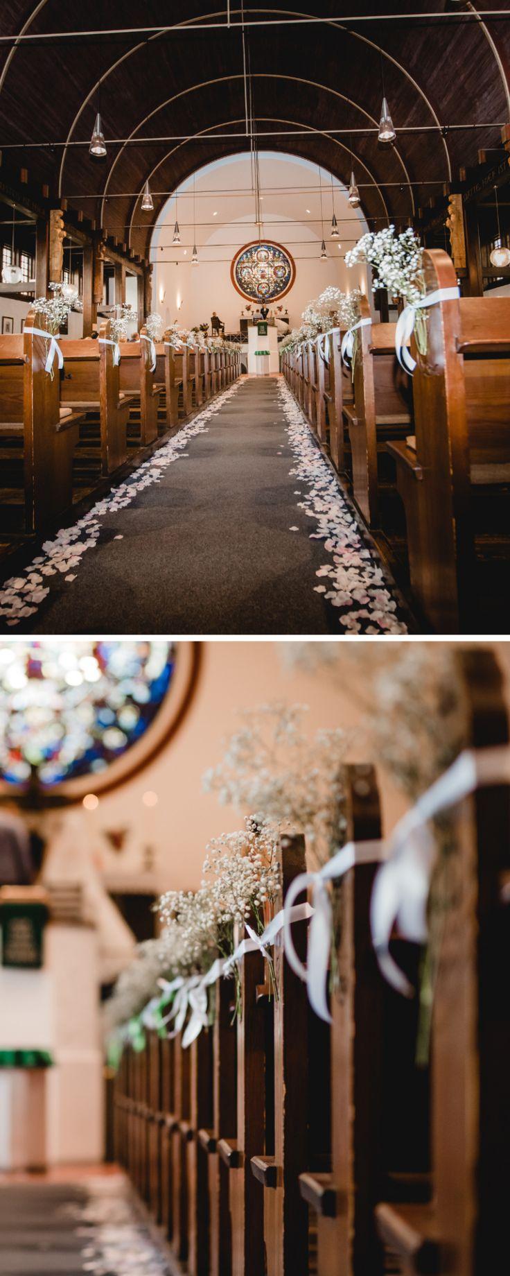 Hochzeitsdeko Kirche: 35 einfache u. geschmackvolle Kirchendeko-Ideen  – In Weiß