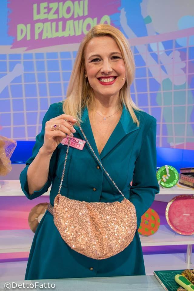 La borsa di paillettes. Tutorial della puntata del 16/02/2016 per DettoFatto Rai2