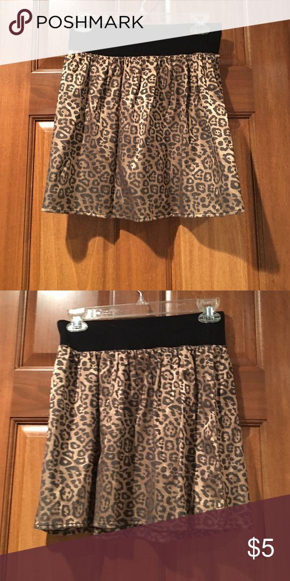 Cheetah Skirt Metallic gold cheetah print skirt, elastic waist Worn once or twice! Lily White Skirts Mini