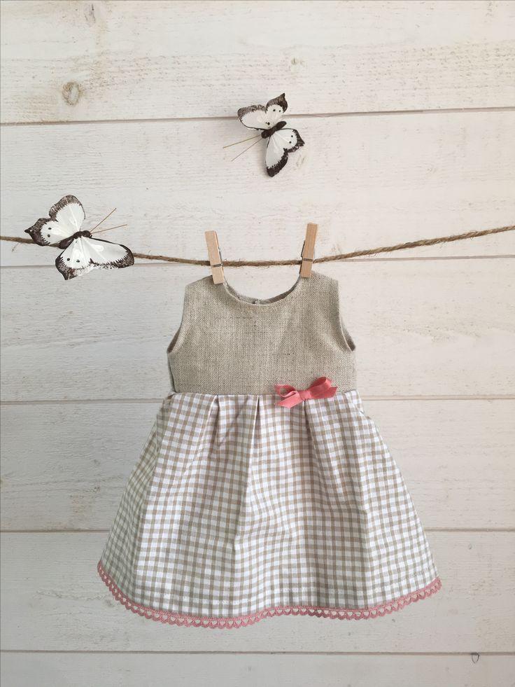 Robe en lin naturel et coton vichy beige et blanc #PoupéesChaperon #poupéesWaldorf