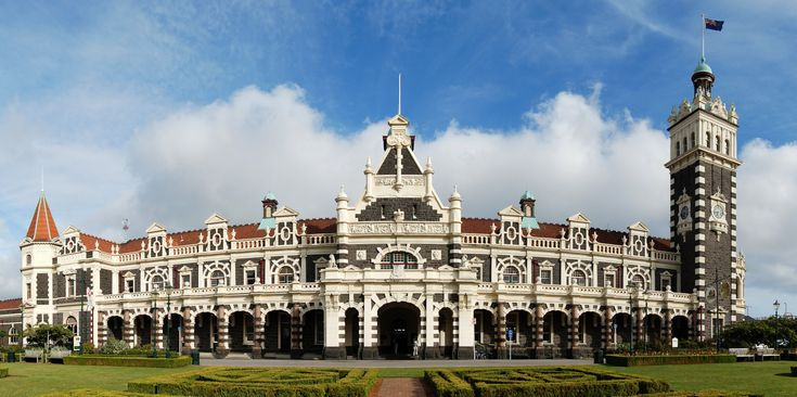 En nuestro blog hablamos de la estacion de Dunedin: el edificio más fotografiado de Nueva Zelanda