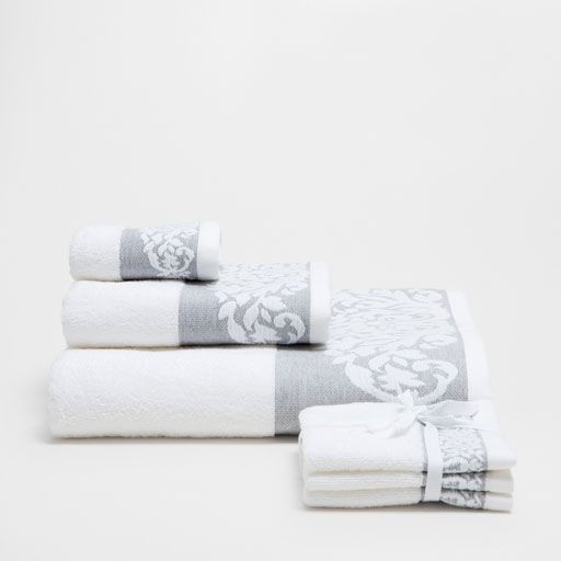 Image of the product COTTON TOWELS WITH LINEN FLORAL BORDER