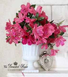 The Decorated House :: Pink Flowers Valentine's Day Decorating