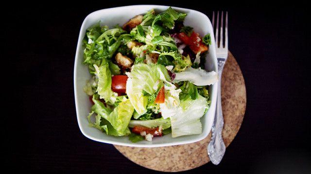 Sałatka z kurczakiem - kuchnia fit http://thecarolinasbook.net/salatka-z-kurczakiem-kuchnia-fit/