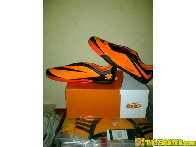 Sepatu futsal nike hypervenom replika itali termurah - TokoBanten.com - Pusat Jual Beli Online wilayah Banten, Pasang Iklan Gratis