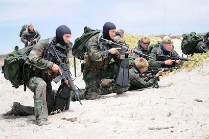 """Si no están en combate, los #SEALS entrenan. """"It pays to be a winner"""""""
