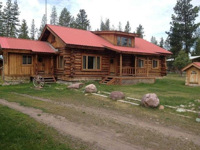 HAVENT SHOWN GORDON I CANT GET ALL THE PICS TO OPEN BUT IS CUTE OUTSIDE 467 Frontier Dr Seeley Lake, MT 59868