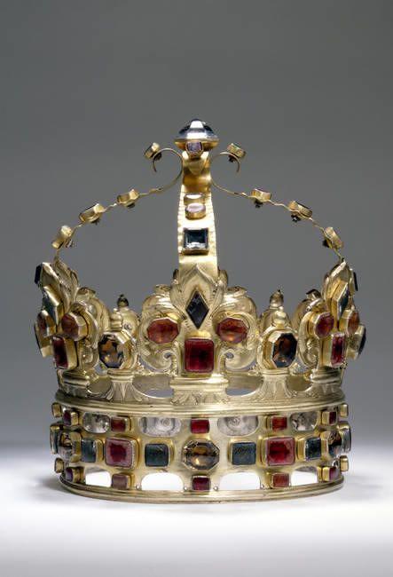 Crown of Augustus II the Strong of Saxony, Poland (1697; silver-gilt, enamel, semi-precious gemstones).
