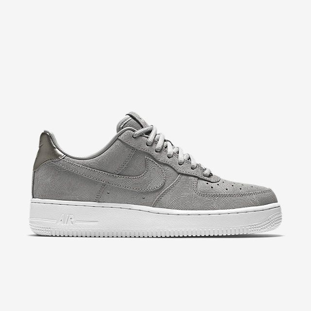 innovative design b235d 30f0b Nike Air Force 1 07 Suede Women's Shoe. Nike.com | Sneaks in 2019 | Shoes,  Nike, Nike shoes