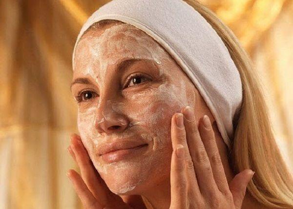 Výborná omladzujúca maska, ktorá naozavaj funguje. Ryža obsahuje kyselinu linolovú a skvalén - silný antioxidant, ktorý stimuluje produkciu kolagénu. Vrásky sa objavia...
