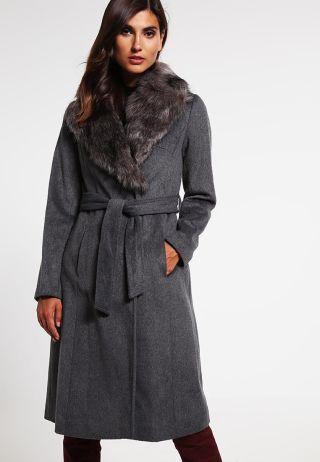 Palton dama cu guler de blana din lana