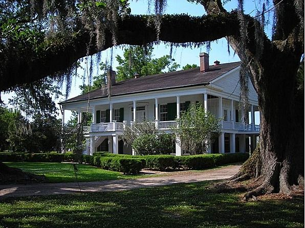 17 best images about love old farm houses plantations on for Southern homes louisiana