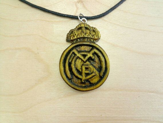 Real Madrid Logo pendant di Woodzard su Etsy #wood #jewelry #necklace #pendant #team #logo #handmade #craft #soccerteam #realmadrid