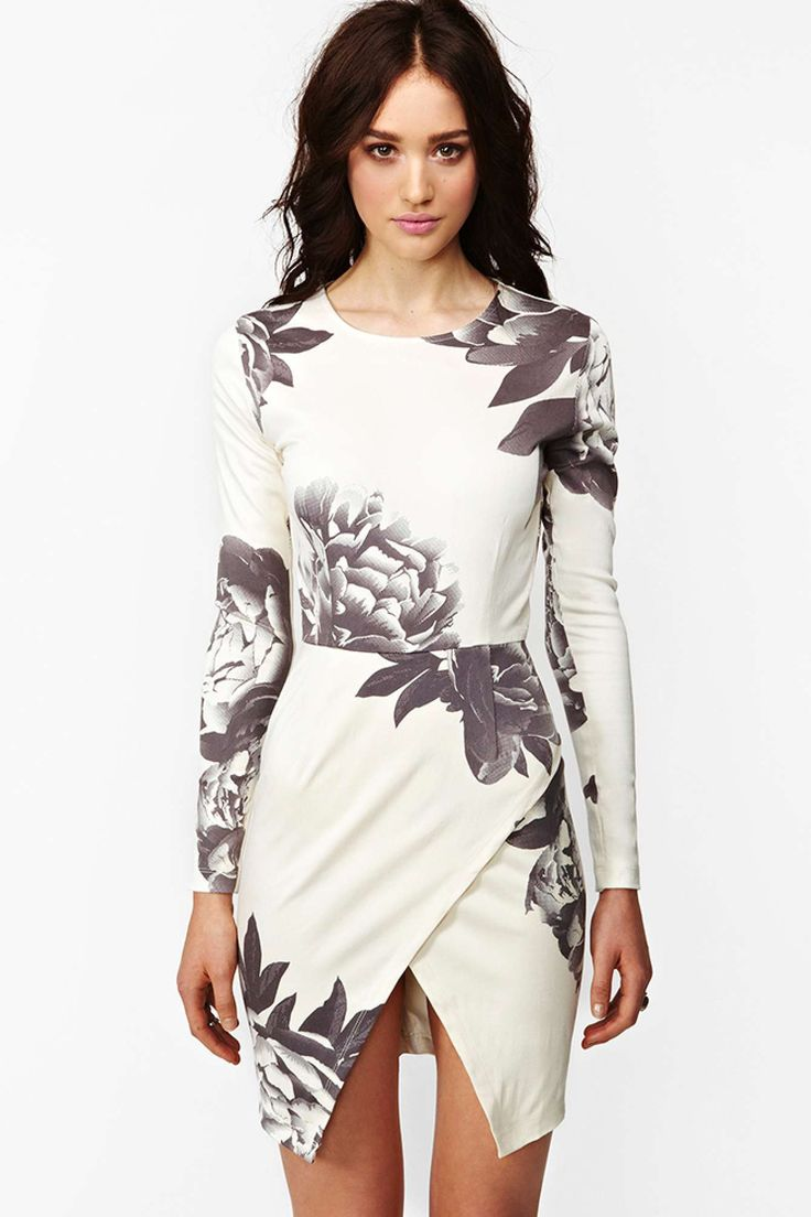 Madison Dress - Dark Bloom | Shop Going Out at Nasty Gal