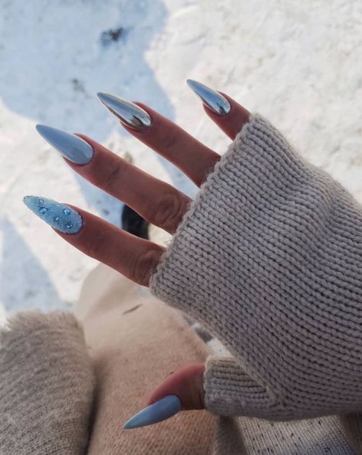Stolpert Nail Art Stiletto – Nagelpflege