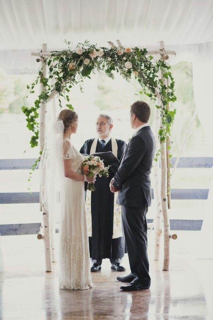 mariage rustique, arche mariage faite de troncs de bouleaux