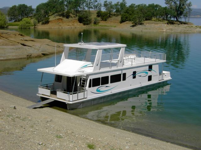 California lakes shasta lake houseboat rentals autos post for Houseboats for rent in california