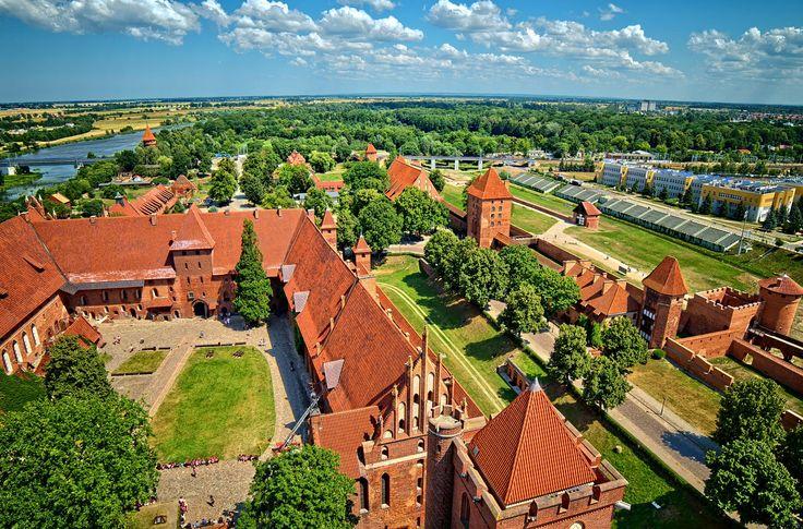 Castle Malbork by Marek Koteluk